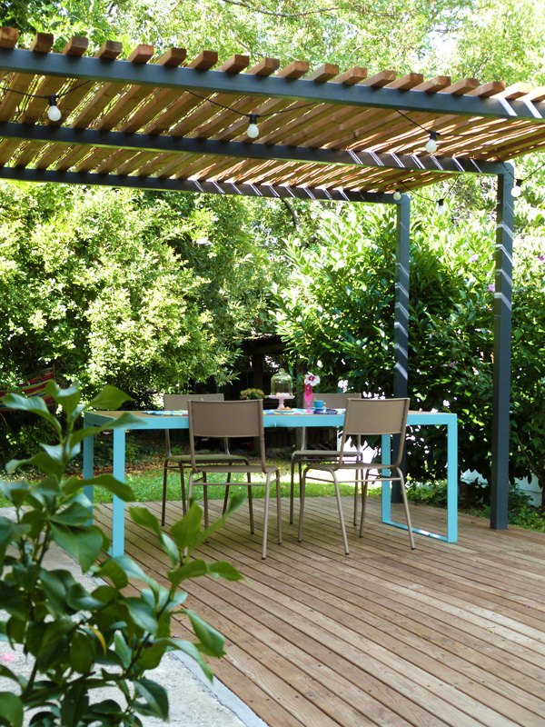 L 39 t au jardin table terrasse et pergola homemade for Comment couvrir une pergola